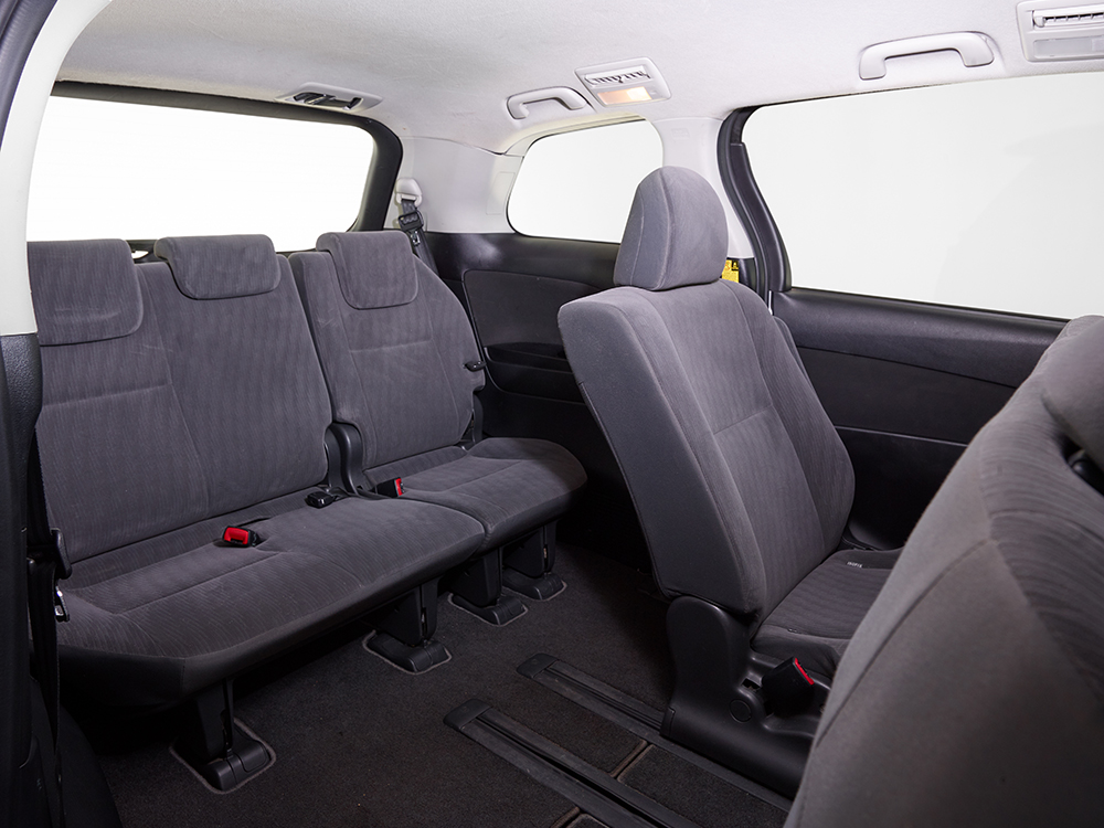 8 seater interior back seats